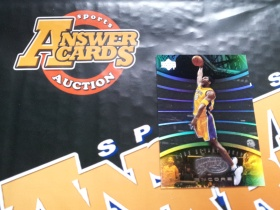 X007《答案卡世界》拍卖 2001 UD 湖人传奇 科比 布莱恩特 PS1 折射 特卡!!!