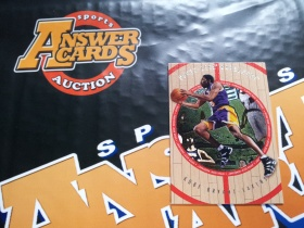 X007《答案卡世界》拍卖 1998 UD木纹 湖人传奇 科比 布莱恩特 base普卡!!!