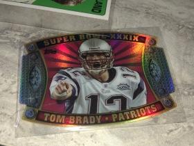 NFL橄榄球 球星卡 第39届超级碗 汤姆 布雷迪 TOM BRADY 折射卡。第39届超级碗也被评为NBA50年最经典战役之一,爱国者24VS21 战胜MCNABB的 费城老鹰队  卡片是超级碗冠军
