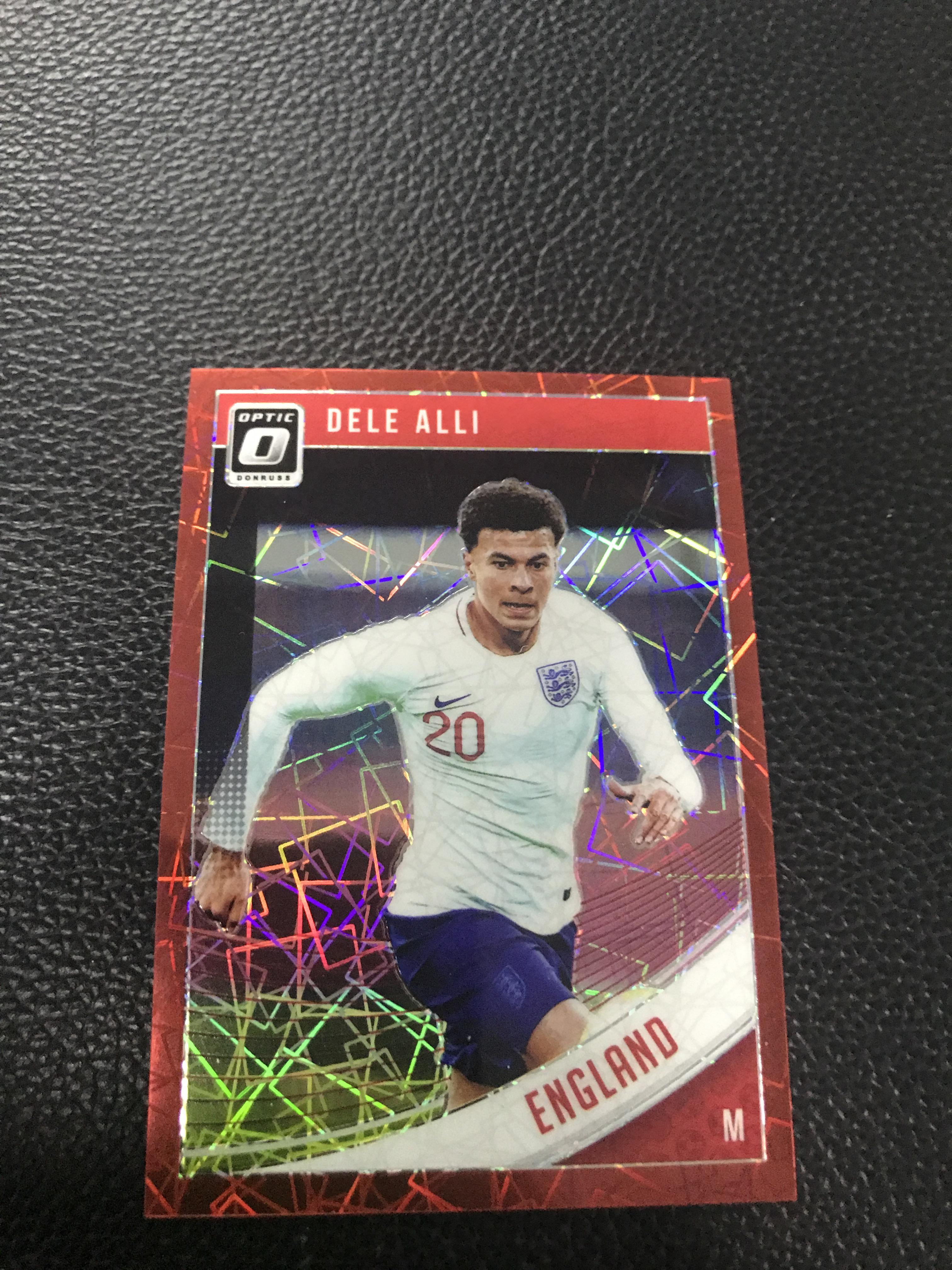 【LZK18】2019 足球 donruss 系列  chrome版本 50编红射线折射  英格兰 热刺中场 阿里!