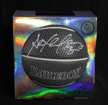 【城市英雄-马布里】系列 巢 马布里品牌 炫彩 夜光篮球 黑色 白笔 签名 签字 高端礼品 证书 Stephon Marbury
