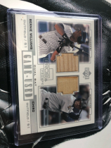 2001 MLB 棒球卡,日本国棒 铃木一郎 Ichiro 新秀球棒切片& 扬基队 Bernie Williams.双Bat UD早期经典系列,设计Nice !