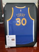 库里签名球衣已装裱,配证书,美国寄回,铭文2015NBA冠军,MVP获得者,投资佳品。