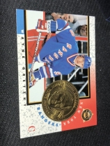 NHL 冰球皇帝 Wayne Gretzky 韦恩 格雷茨基 1998年金属硬币,纪念卡。