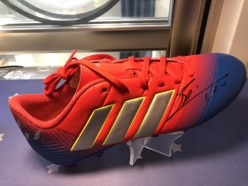 icons 梅西 专属 签名球鞋 证书
