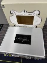 【乐卡收藏官方代卖】不累计 k202 18-19 手提箱 空箱子 银色 精美 品相如图不完美 单个1支
